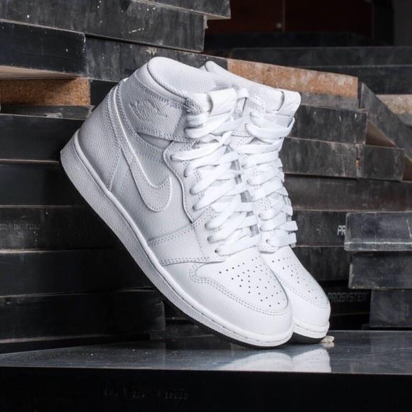 90c98fa2ec24 Nike Air Jordan 1 Retro High OG BG Youth